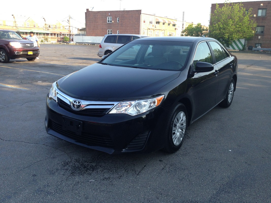 offers used car for sale 2012 toyota camry sedan 14 in staten. Black Bedroom Furniture Sets. Home Design Ideas