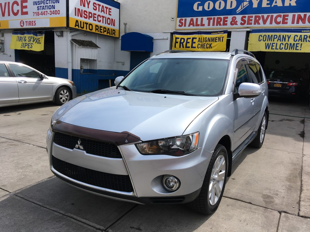 Used Car - 2013 Mitsubishi Outlander SE for Sale in Brooklyn, NY