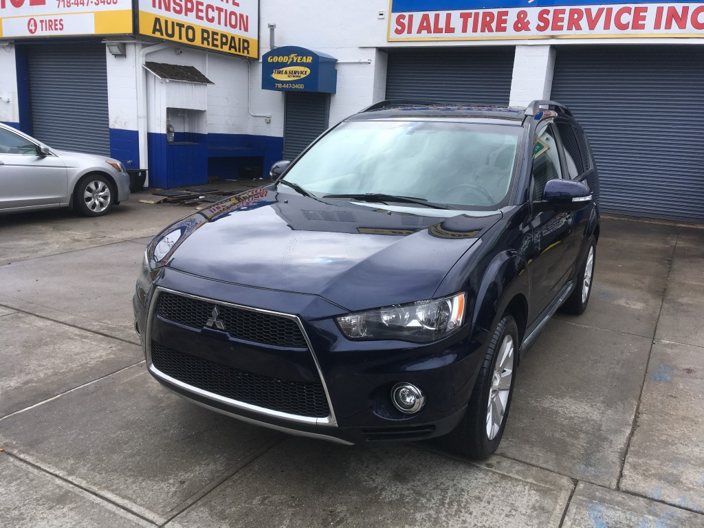 Used Car - 2013 Mitsubishi Outlander SE AWD for Sale in Staten Island, NY