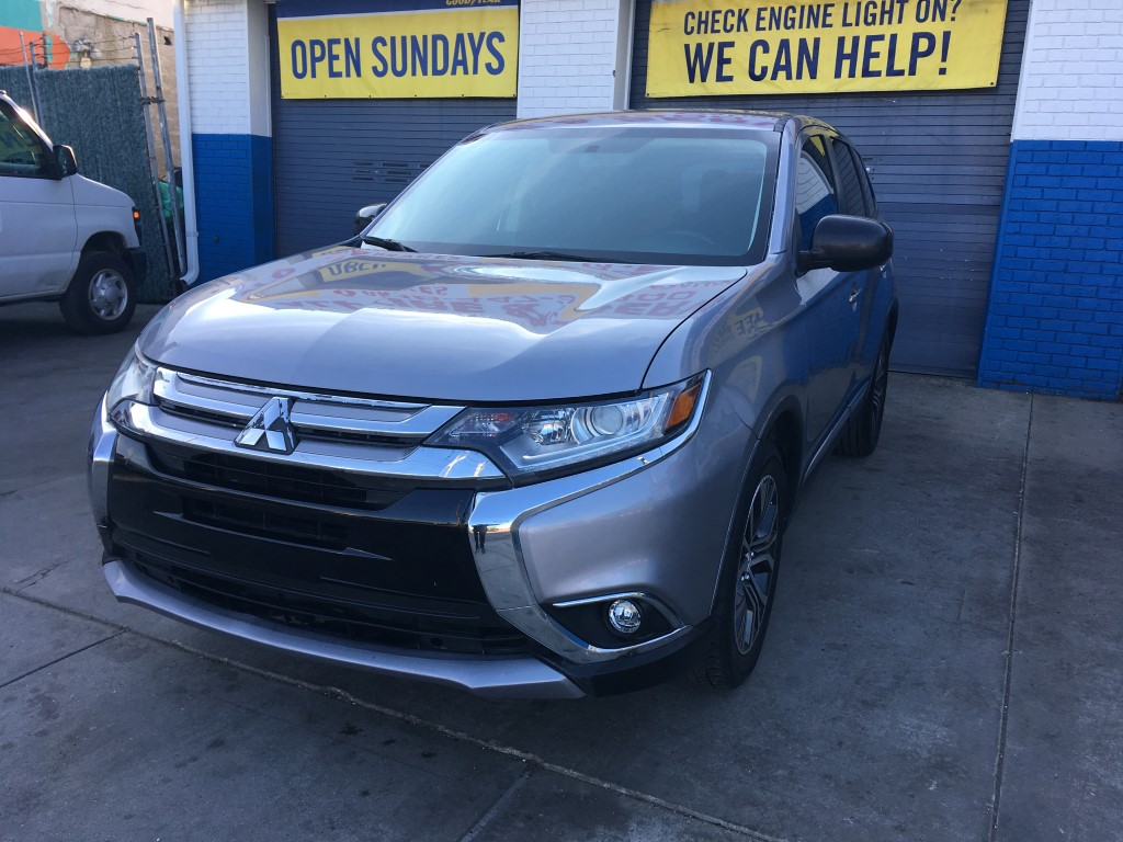 Used Car - 2016 Mitsubishi Outlander ES for Sale in Staten Island, NY