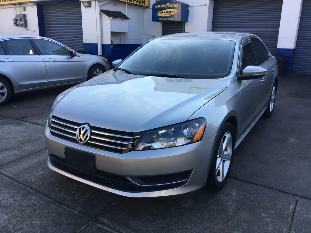 Used Car - 2012 Volkswagen Passat SE for Sale in Staten Island, NY