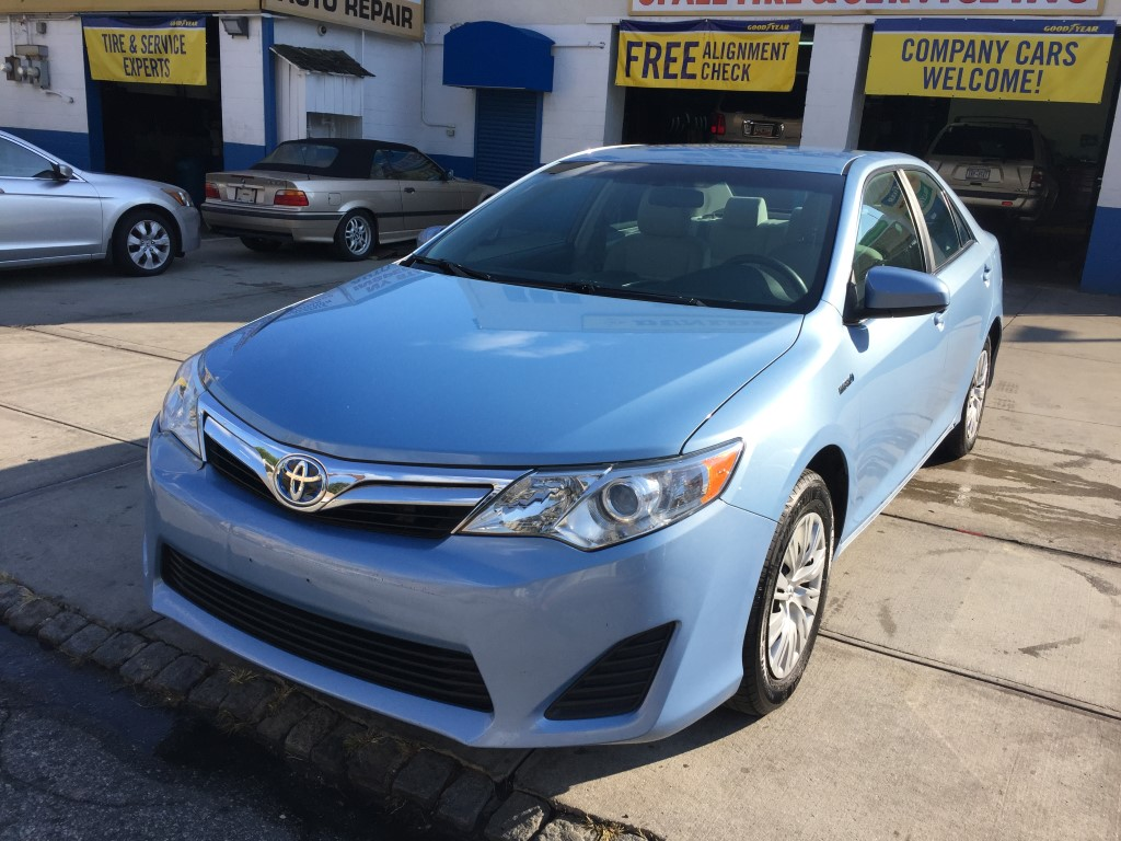 Used Car for sale - 2012 Camry Hybrid LE Toyota  in Staten Island, NY