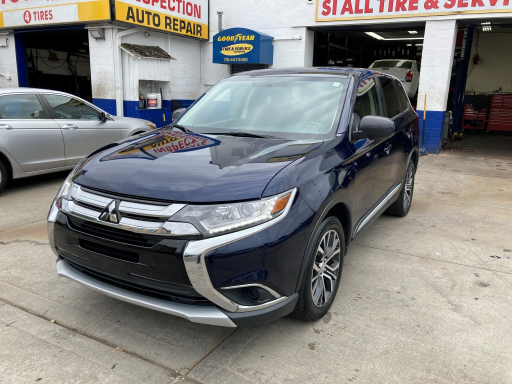 Used Car - 2018 Mitsubishi Outlander ES AWD for Sale in Staten Island, NY