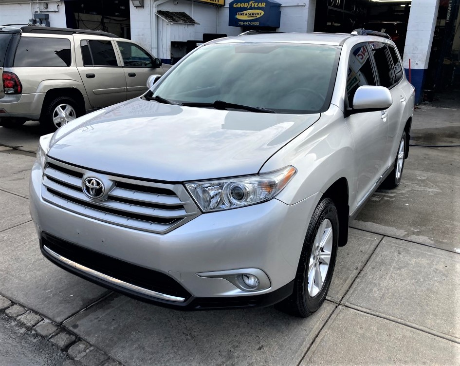Used Car - 2011 Toyota Highlander Base AWD for Sale in Staten Island, NY