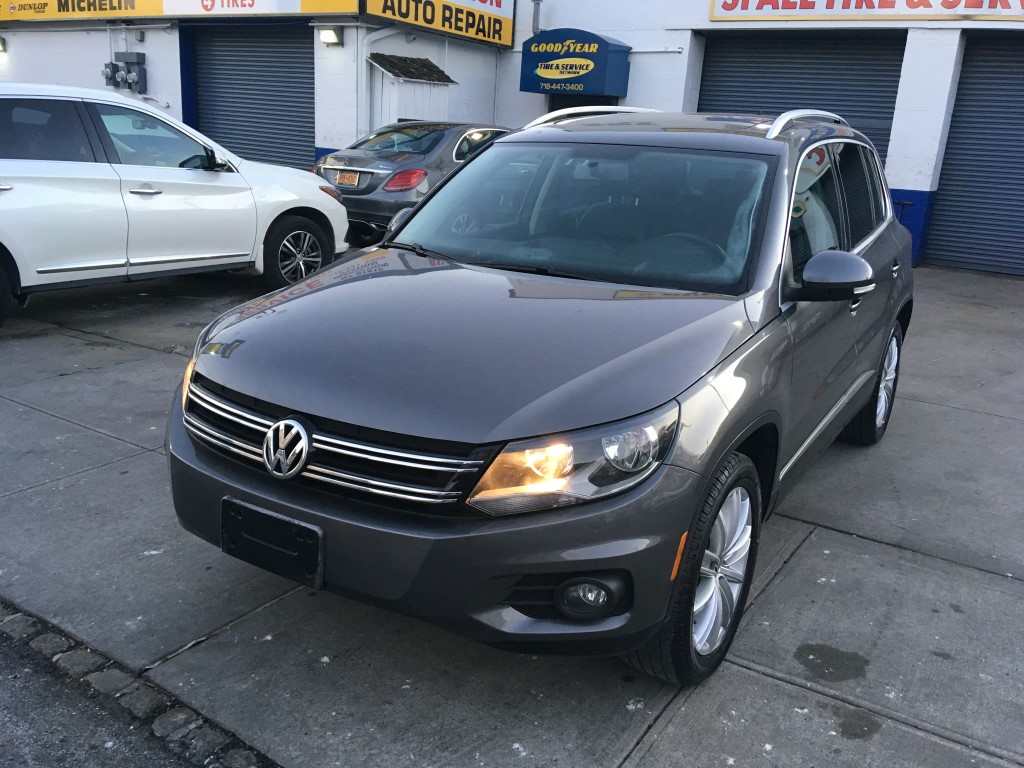 Used Car - 2012 Volkswagen Tiguan SE AWD for Sale in Staten Island, NY