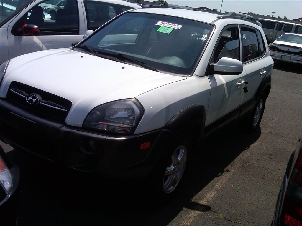 offers used car for sale 2005 hyundai tucson sport utility 4wd 7 390. Black Bedroom Furniture Sets. Home Design Ideas
