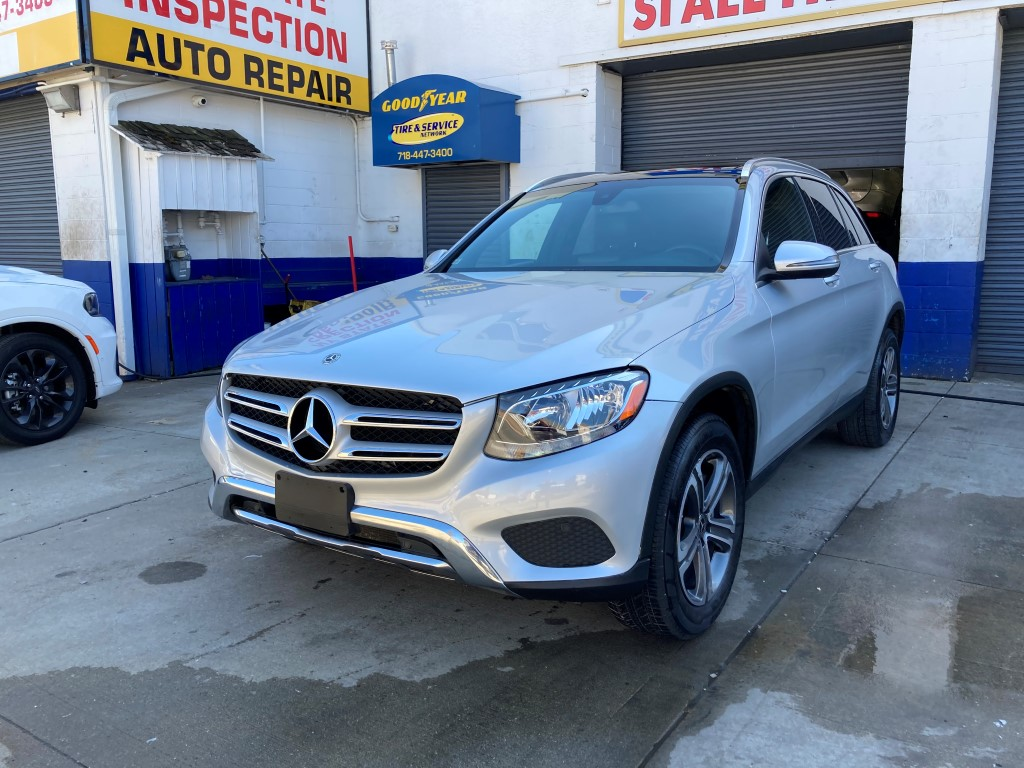 Used Car - 2018 Mercedes-Benz GLC 300 4MATIC AWD for Sale in Staten Island, NY
