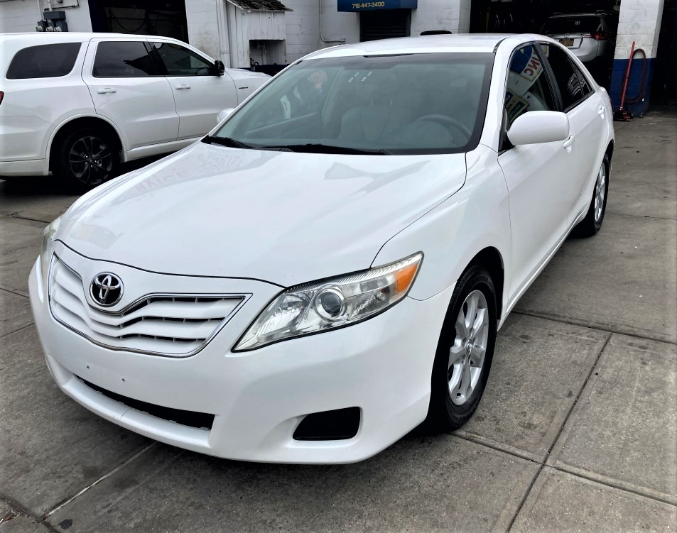 Used Car - 2011 Toyota Camry LE for Sale in Staten Island, NY