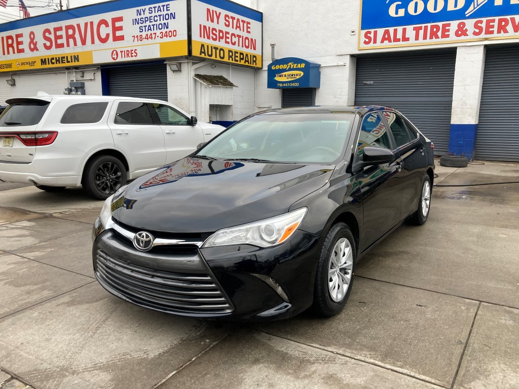 Used Car - 2015 Toyota Camry LE for Sale in Staten Island, NY