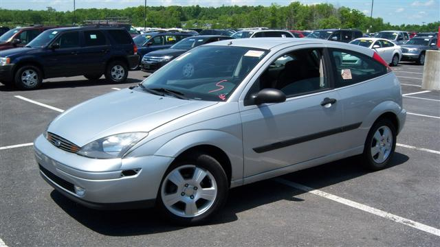 used 2004 ford focus zx3 hatchback 3 990 00