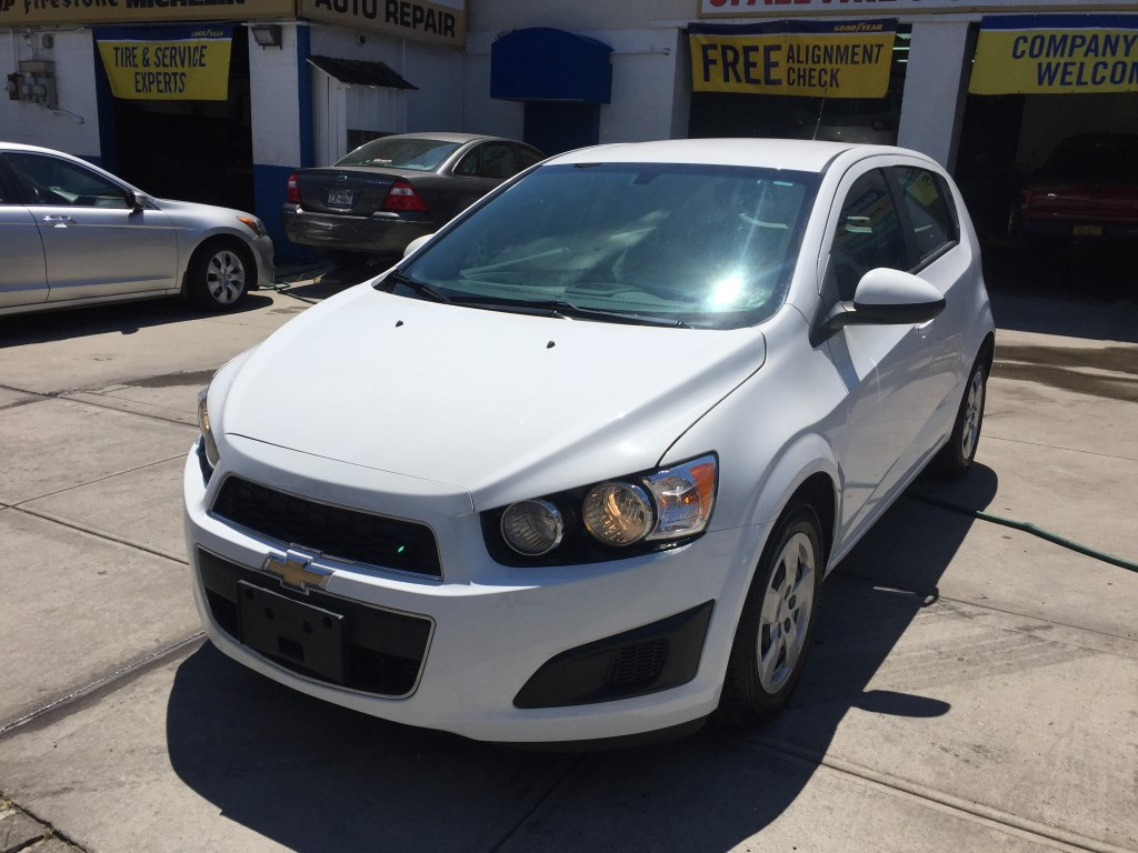 used 2014 chevrolet sonic ls hatchback 7. Black Bedroom Furniture Sets. Home Design Ideas