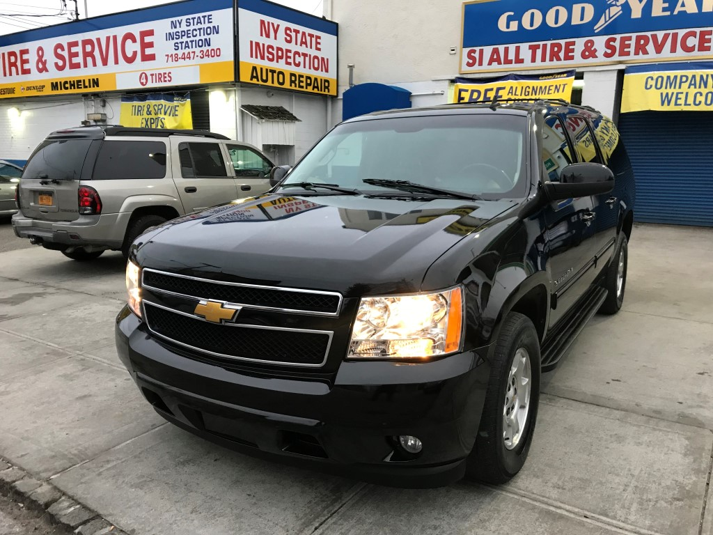 Used Car - 2014 Chevrolet Suburban LT for Sale in Staten Island, NY