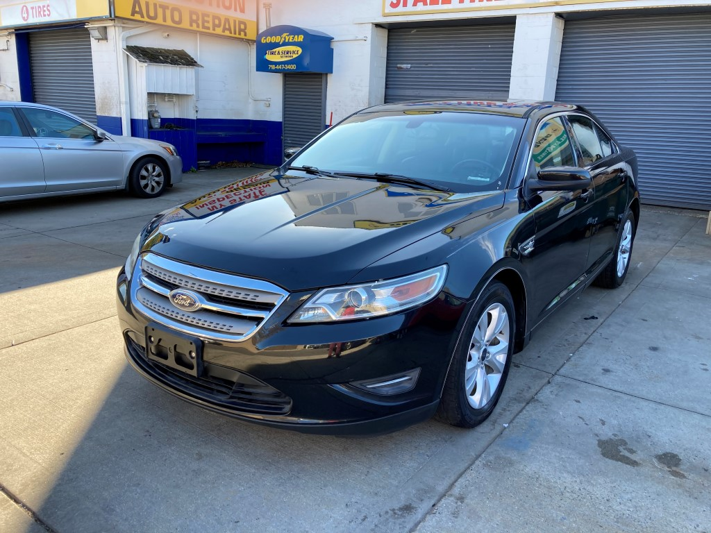 Used Car - 2011 Ford Taurus SEL for Sale in Staten Island, NY