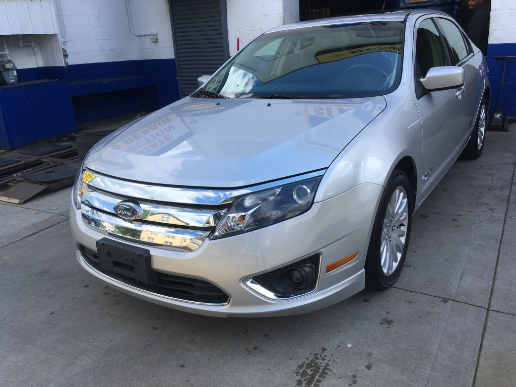 Used Car - 2010 Ford Fusion Hybrid for Sale in Staten Island, NY