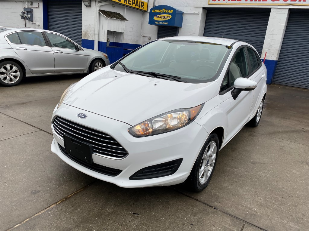 Used Car - 2015 Ford Fiesta SE for Sale in Staten Island, NY