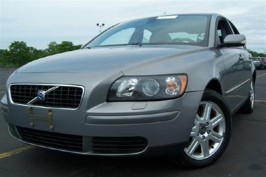 CheapUsedCars4Sale.com offers Used Car for Sale - 2006 Volvo S40 4 Door Sedan $7,999.00