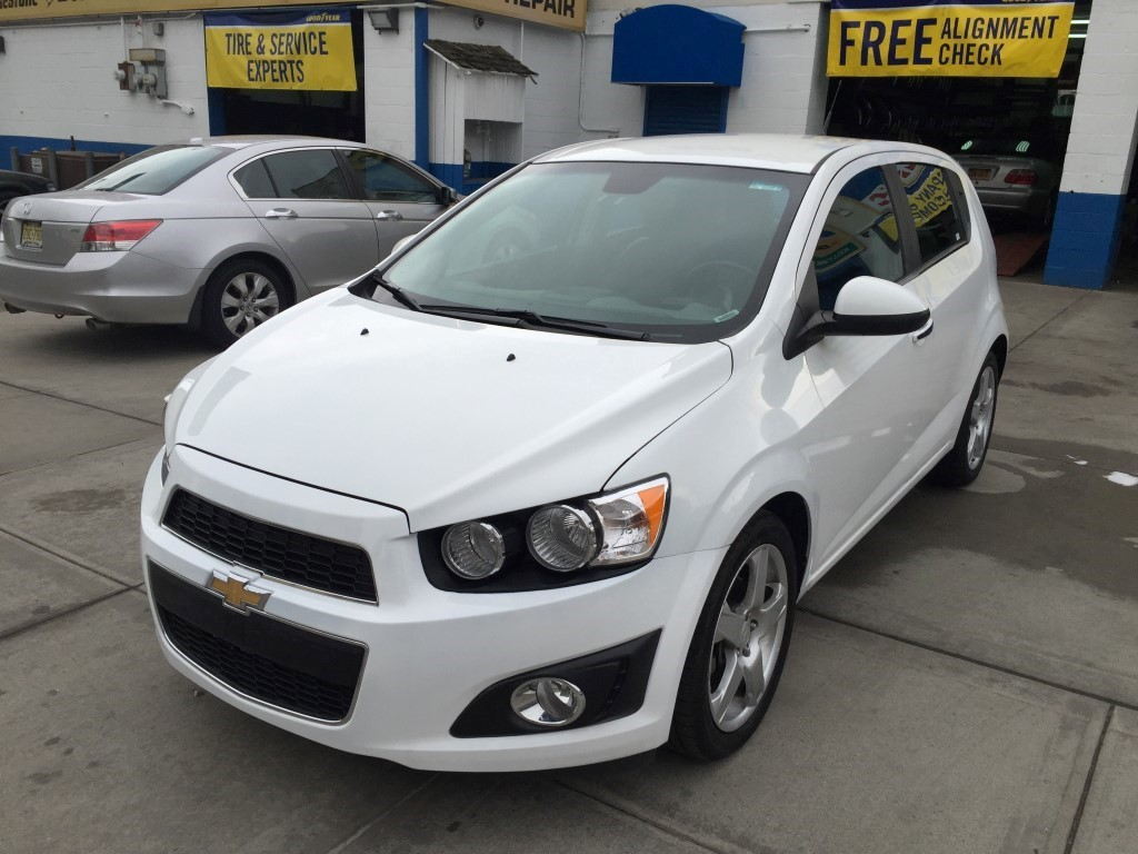 used 2013 chevrolet sonic ltz hatchback 7. Black Bedroom Furniture Sets. Home Design Ideas