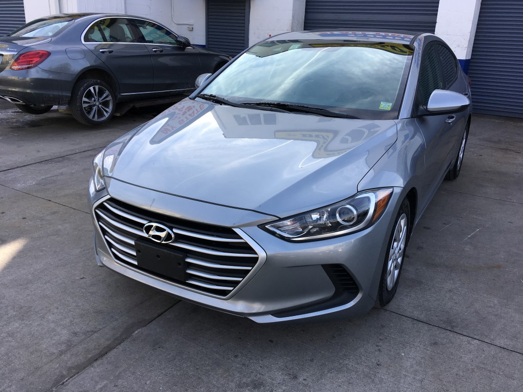 Used Car - 2017 Hyundai Elantra SE for Sale in Brooklyn, NY