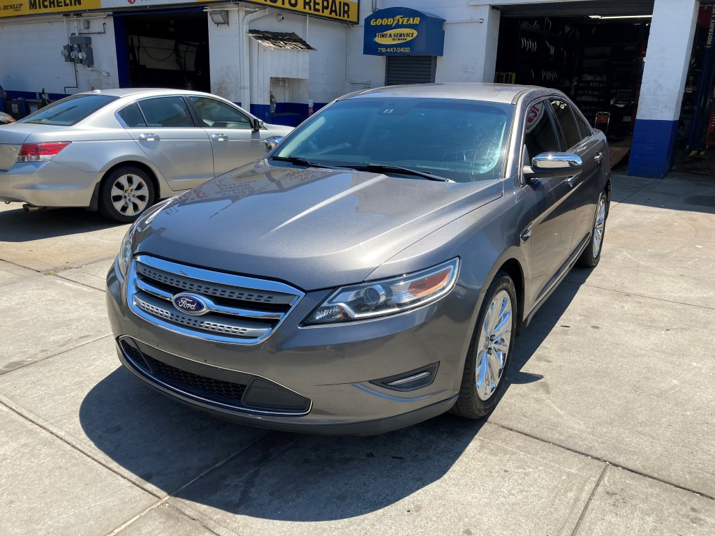 Used Car - 2011 Ford Taurus Limited for Sale in Staten Island, NY