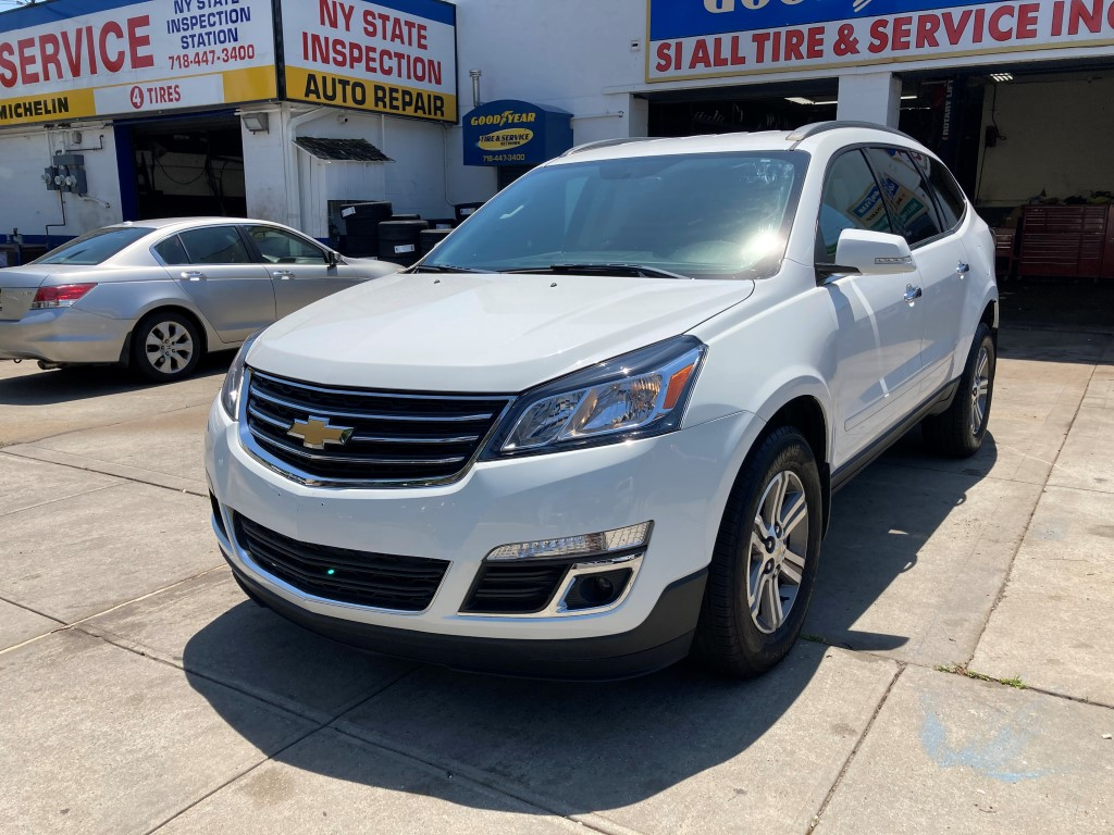 Used Car - 2016 Chevrolet Traverse LT for Sale in Staten Island, NY