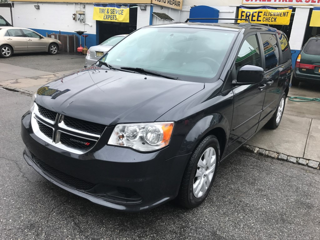 used 2014 dodge grand caravan sxt minivan 12. Black Bedroom Furniture Sets. Home Design Ideas
