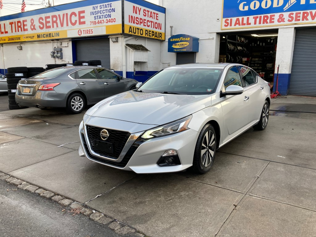 Used Car for sale - 2019 Altima SL Nissan  in Staten Island, NY