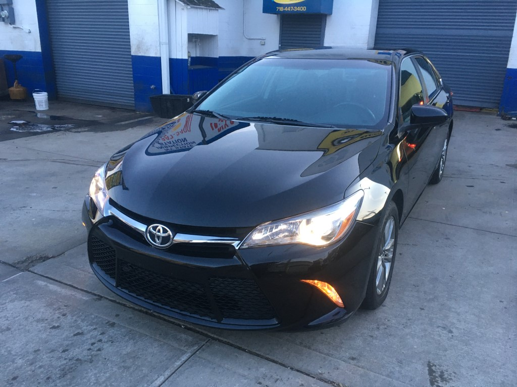 Used Car - 2016 Toyota Camry SE for Sale in Staten Island, NY