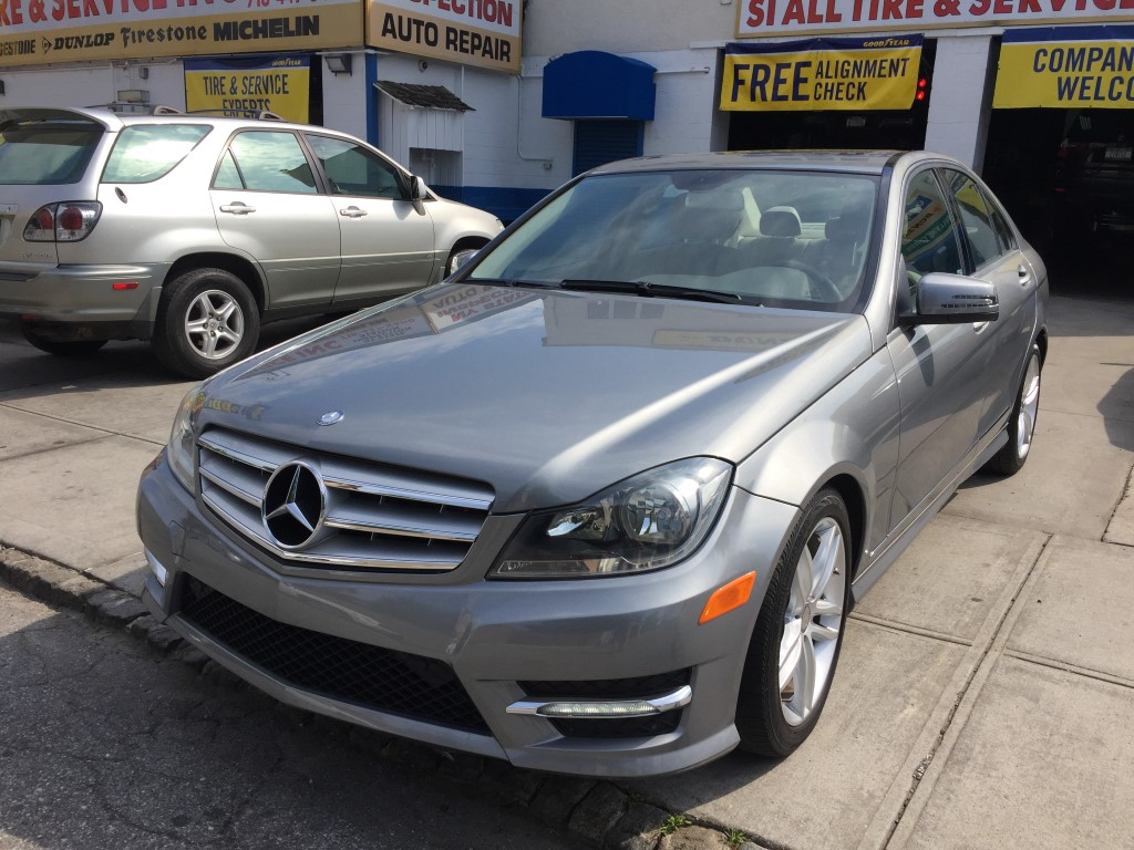 Used 2012 mercedes benz c300w4 sedan 17 for Cheap mercedes benz cars