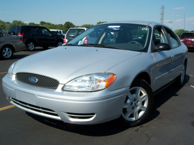 offers used car for sale 2005 ford taurus 4 door sedan 2. Black Bedroom Furniture Sets. Home Design Ideas