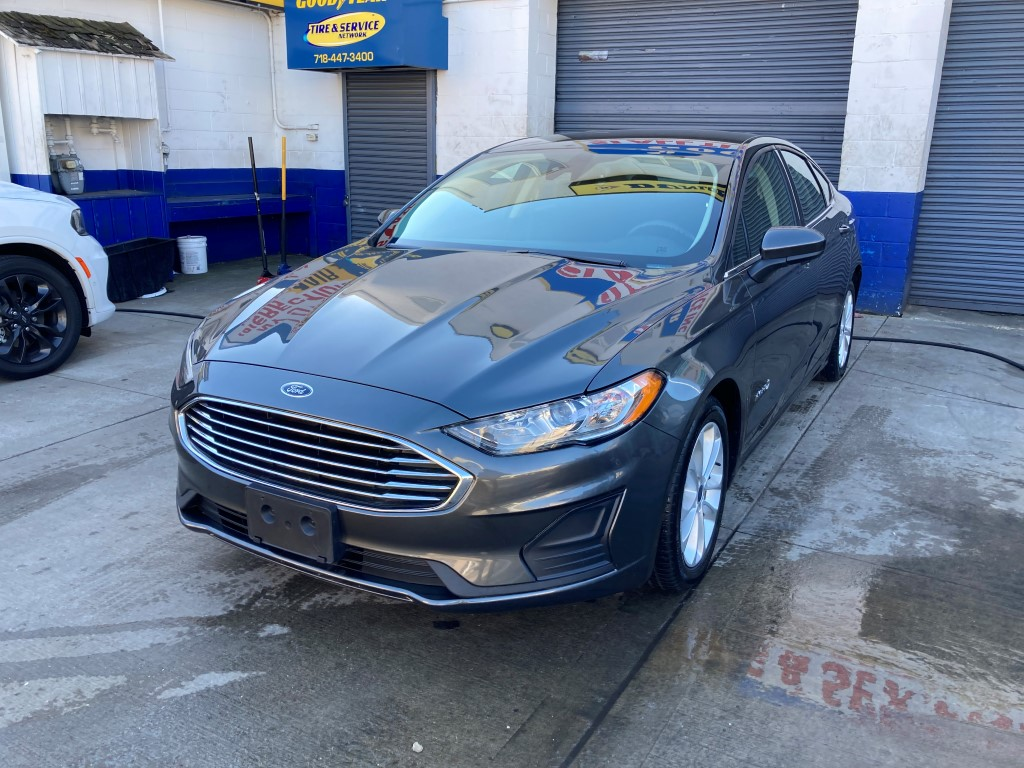 Used Car - 2019 Ford Fusion SE Hybrid for Sale in Staten Island, NY