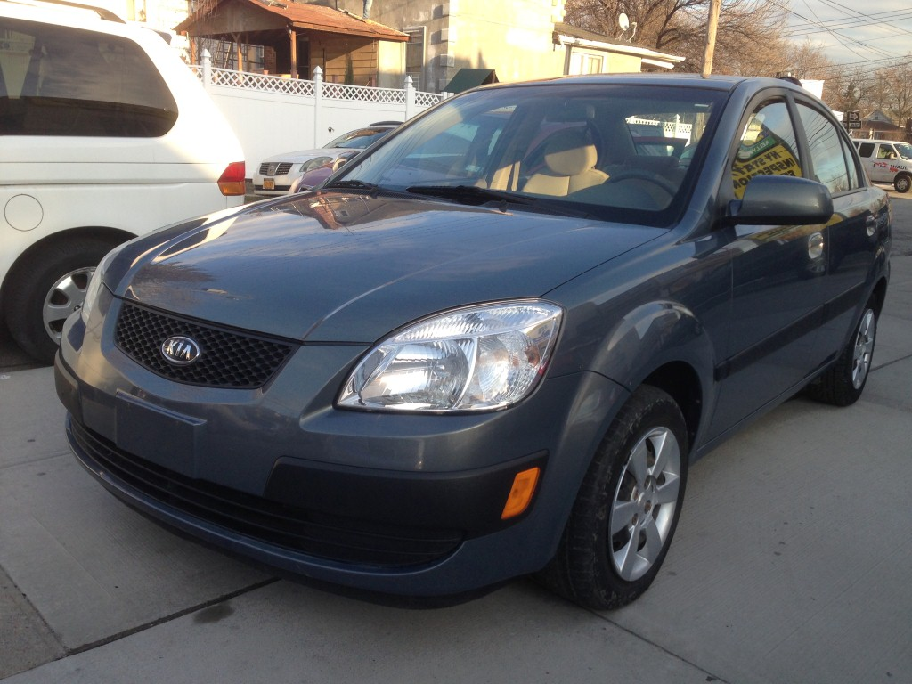 offers used car for sale 2007 kia rio sedan 4 in staten island ny. Black Bedroom Furniture Sets. Home Design Ideas