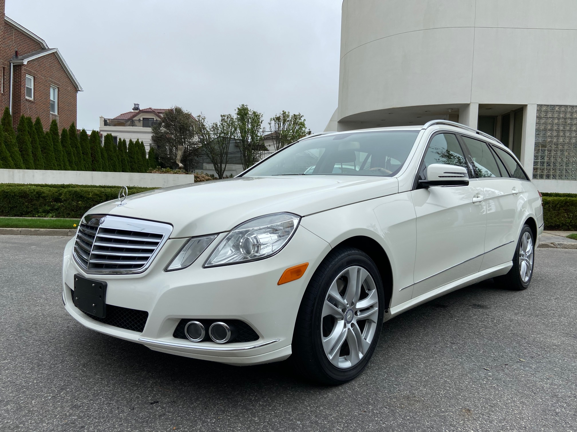 Used Car - 2011 Mercedes-Benz E350 Luxury 4MATIC AWD for Sale in Staten Island, NY
