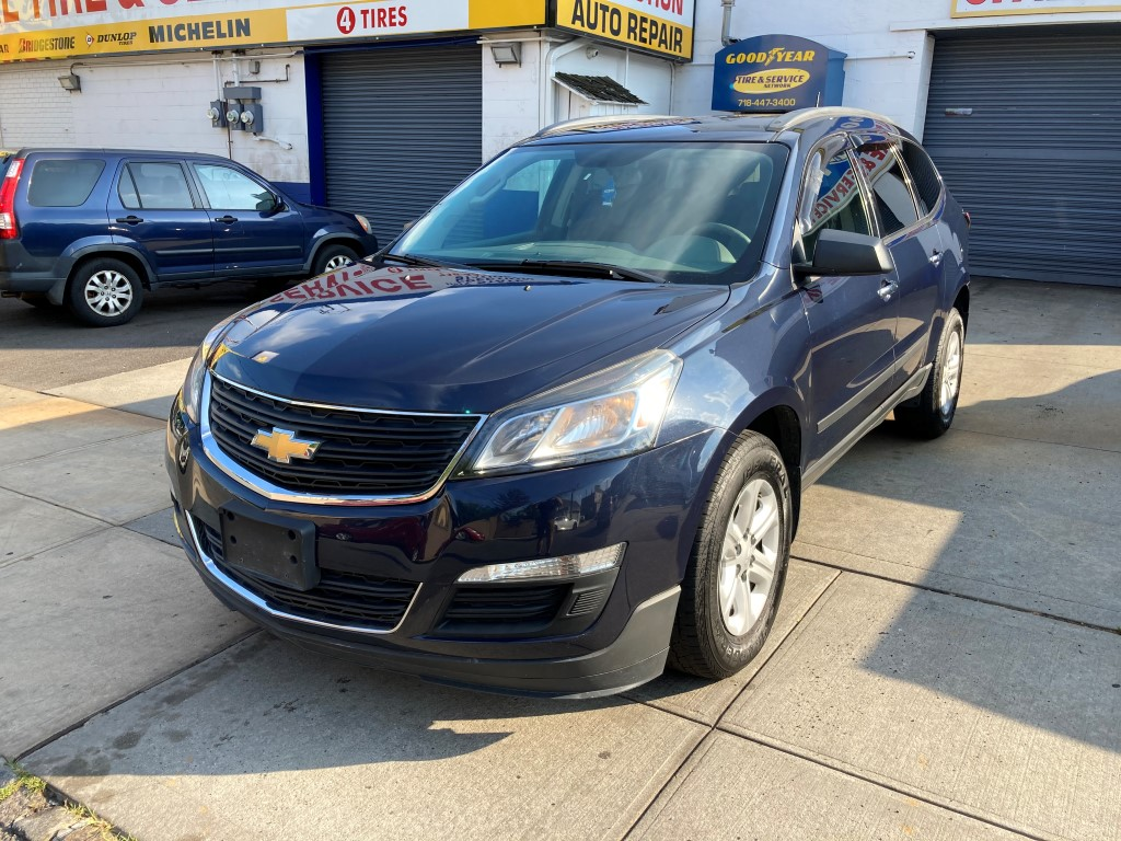 Used Car - 2014 Chevrolet Traverse LS AWD for Sale in Staten Island, NY