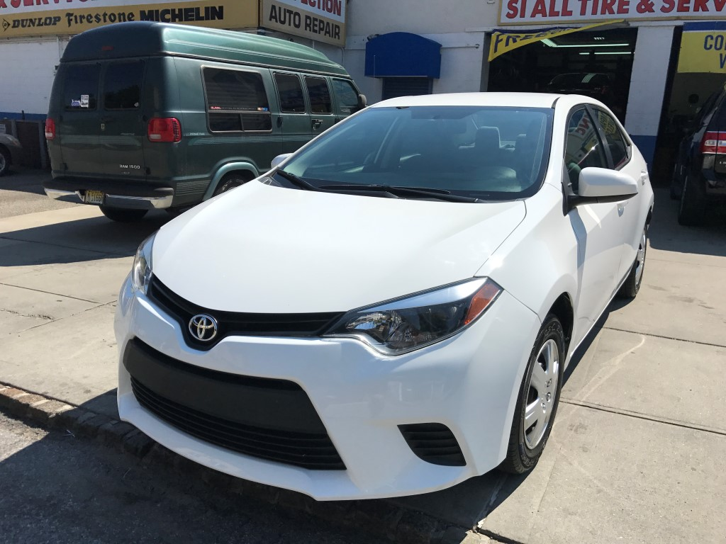 Used Car - 2015 Toyota Corolla LE for Sale in Brooklyn, NY