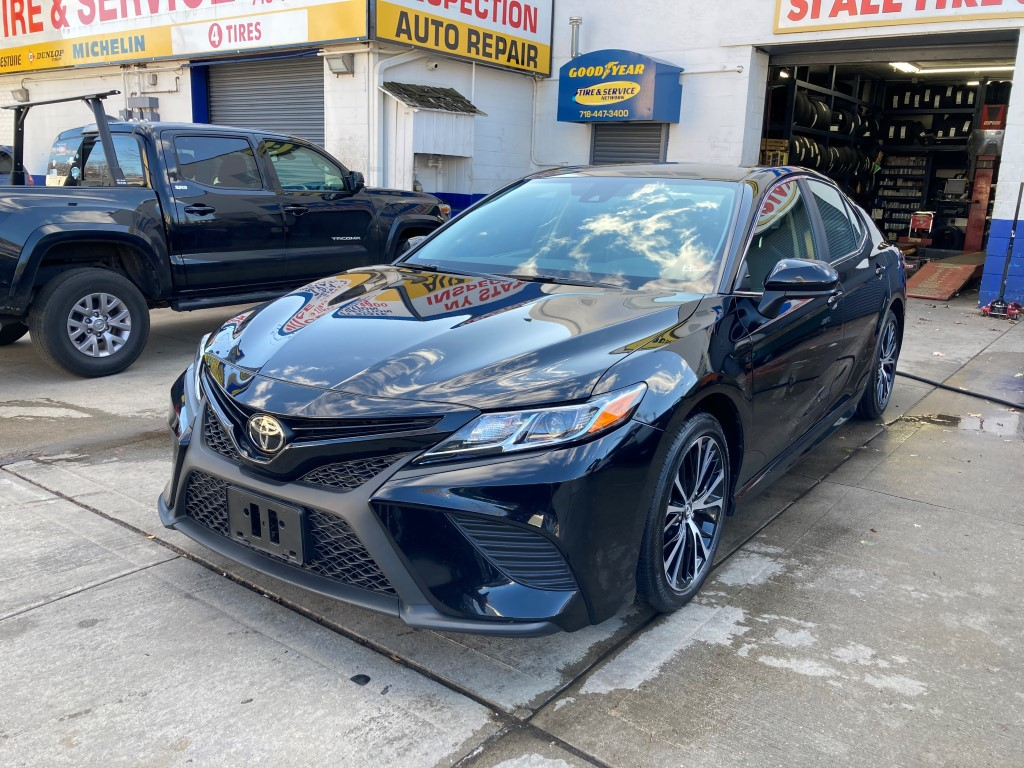 Used Car - 2020 Toyota Camry SE for Sale in Staten Island, NY