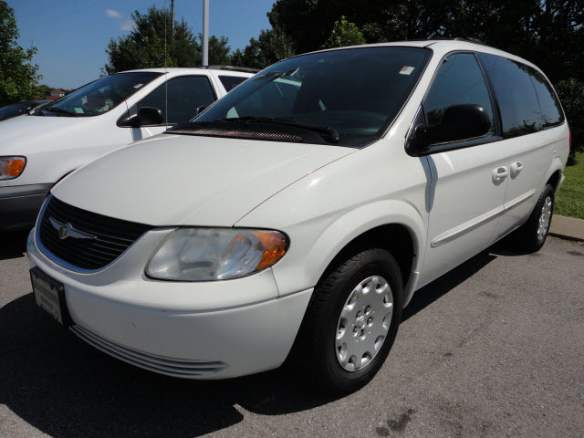 offers used car for sale 2003 chrysler town country minivan 1. Black Bedroom Furniture Sets. Home Design Ideas