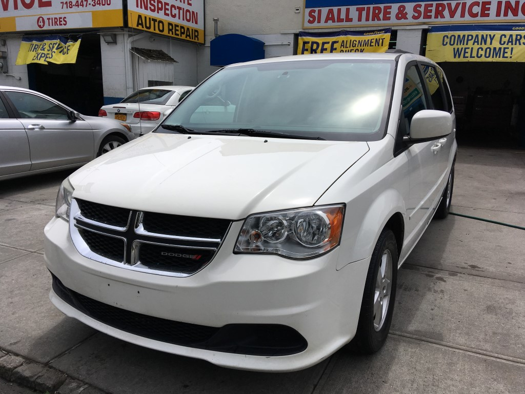 used 2012 dodge grand caravan sxt minivan 7. Black Bedroom Furniture Sets. Home Design Ideas