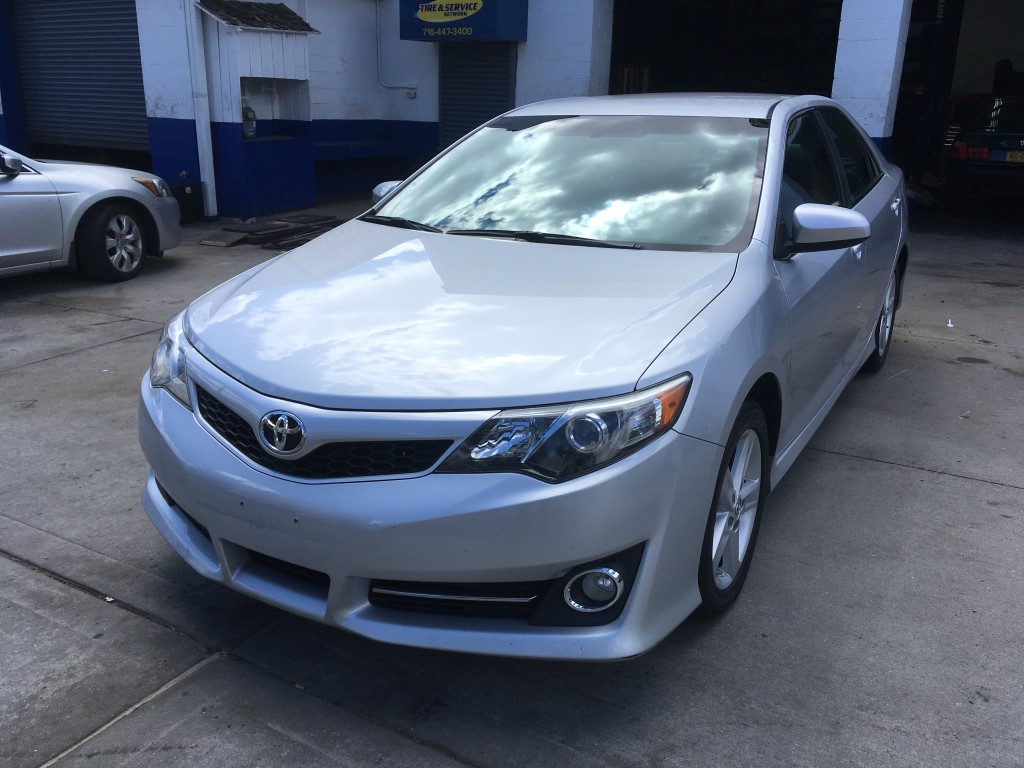 Used Car - 2014 Toyota Camry SE for Sale in Staten Island, NY