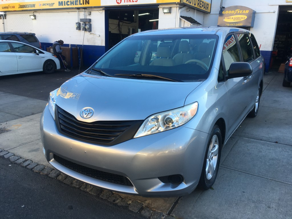 Used Car - 2014 Toyota Sienna L for Sale in Staten Island, NY