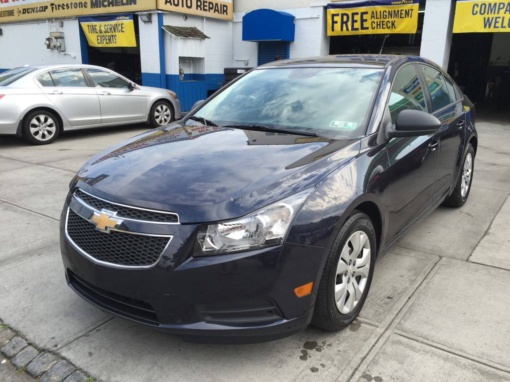 used 2014 chevrolet cruze ls sedan 8. Black Bedroom Furniture Sets. Home Design Ideas