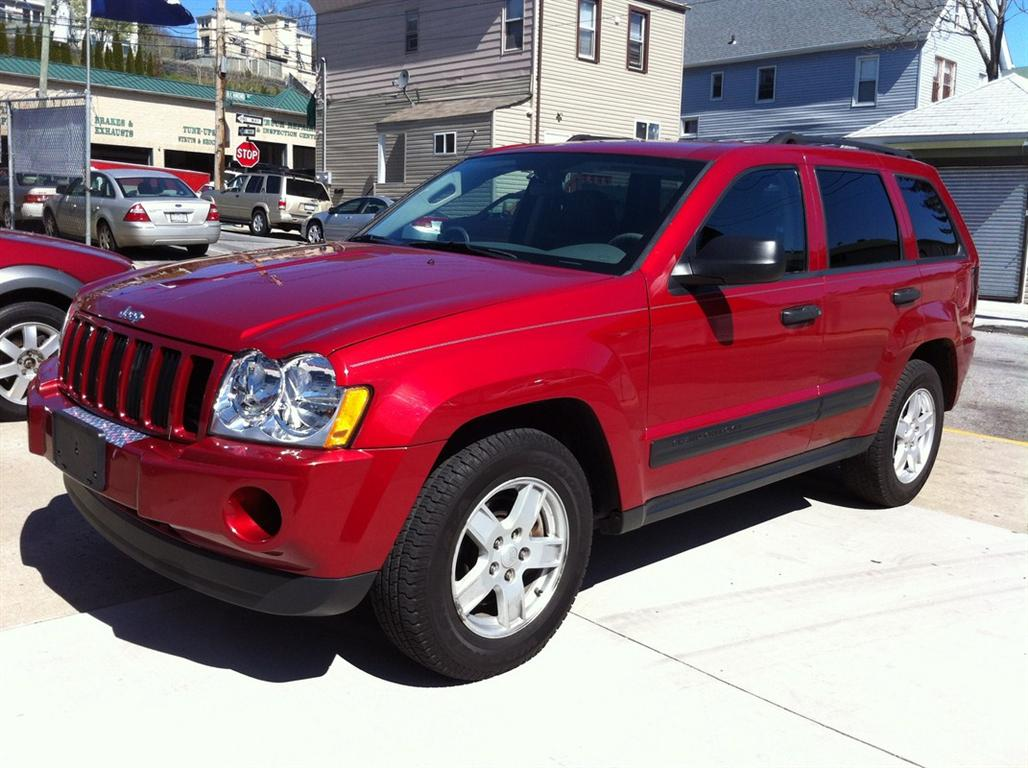 Pre owned car grand cherokee laredojeep