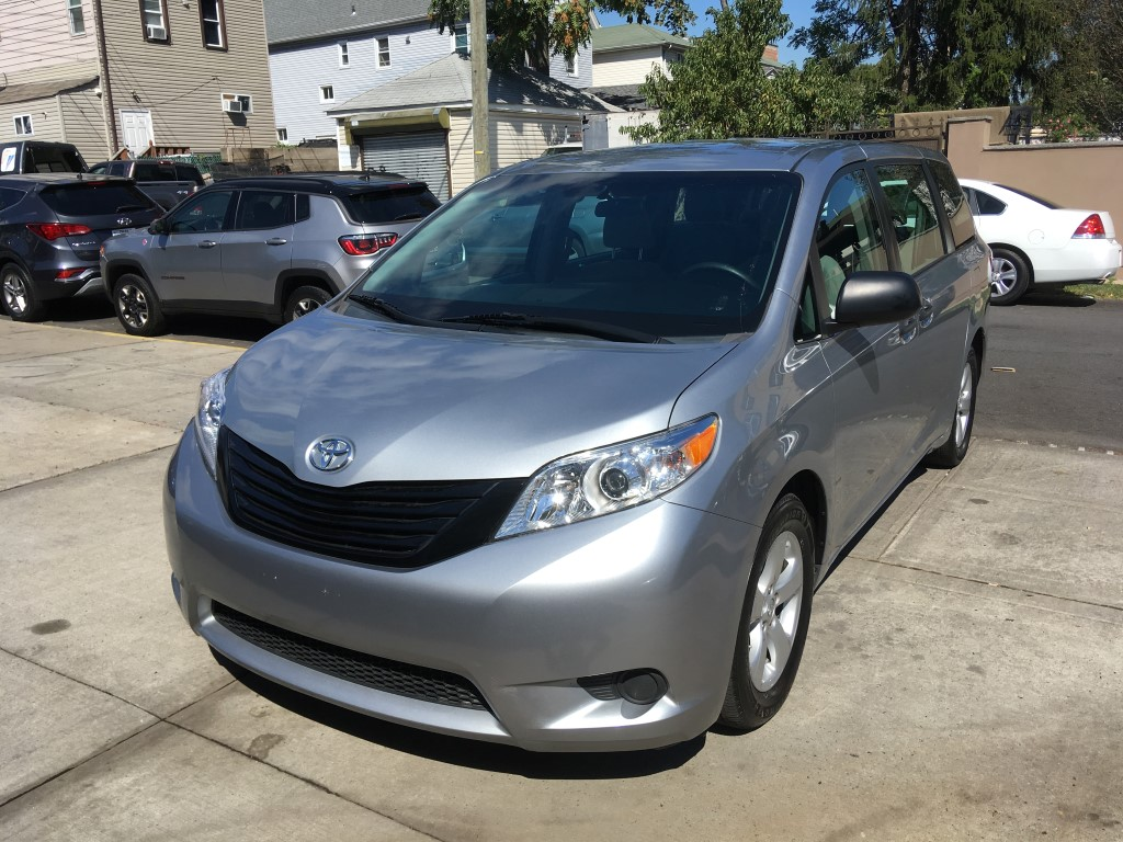 Used Car - 2015 Toyota Sienna L for Sale in Staten Island, NY