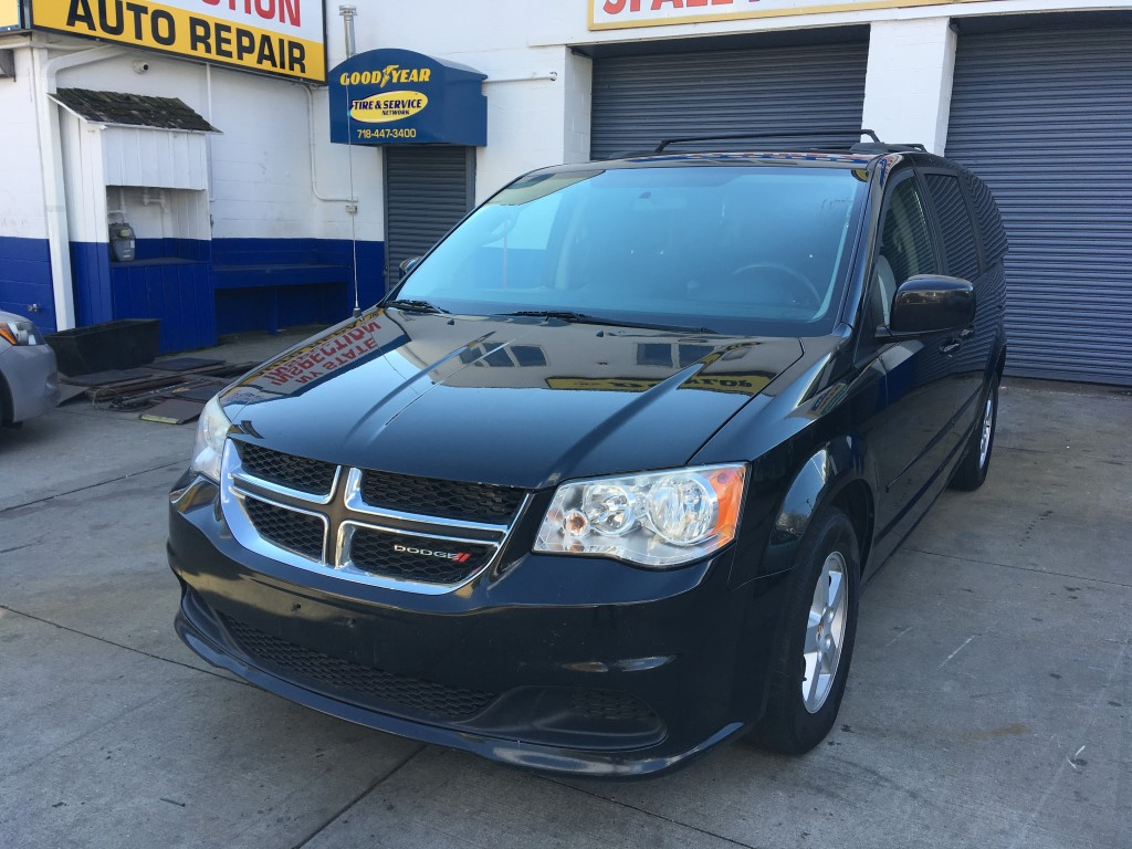 Used Car - 2013 Dodge Grand Caravan SXT for Sale in Staten Island, NY