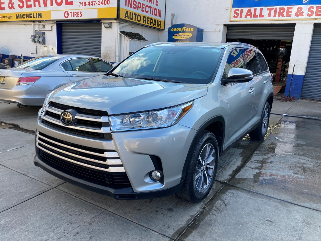 Used Car - 2019 Toyota Highlander XLE for Sale in Staten Island, NY