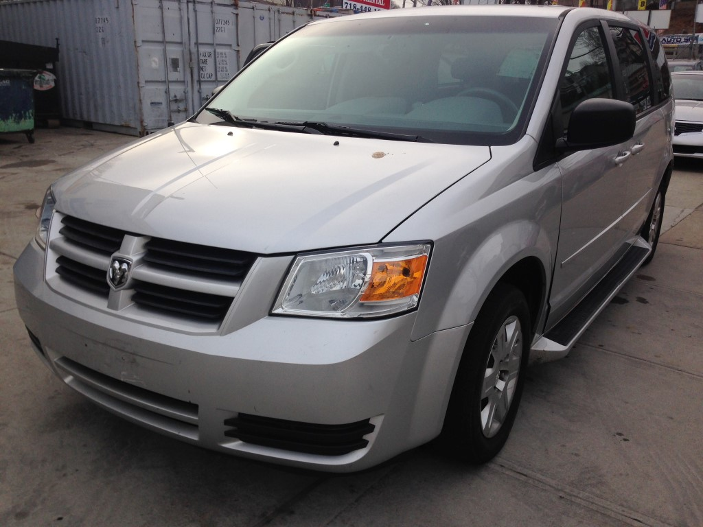Used Car - 2009 Dodge Grand Caravan for Sale in Brooklyn, NY