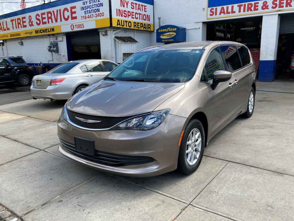Used Car - 2017 Chrysler Pacifica Touring for Sale in Staten Island, NY