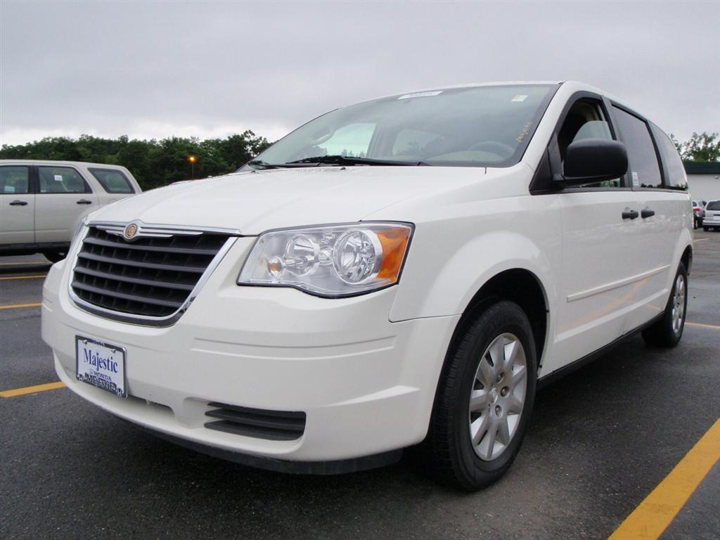 offers used car for sale 2008 chrysler town country minivan 8. Black Bedroom Furniture Sets. Home Design Ideas