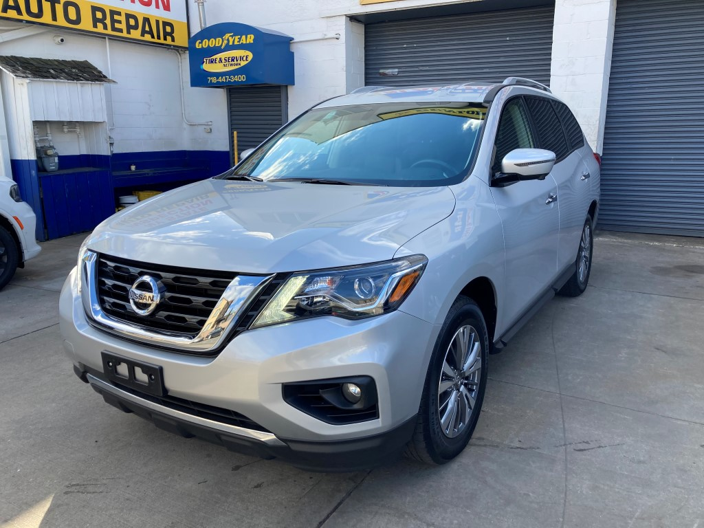 Used Car - 2019 Nissan Pathfinder SL 4x4 for Sale in Staten Island, NY