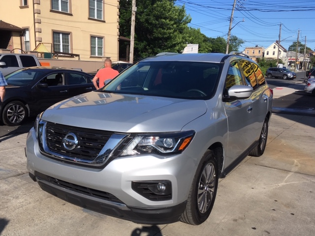 Used Car - 2018 Nissan Pathfinder SV 4x4 for Sale in Staten Island, NY