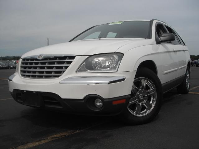 used 2004 chrysler pacifica touring awd sport utility 5. Black Bedroom Furniture Sets. Home Design Ideas